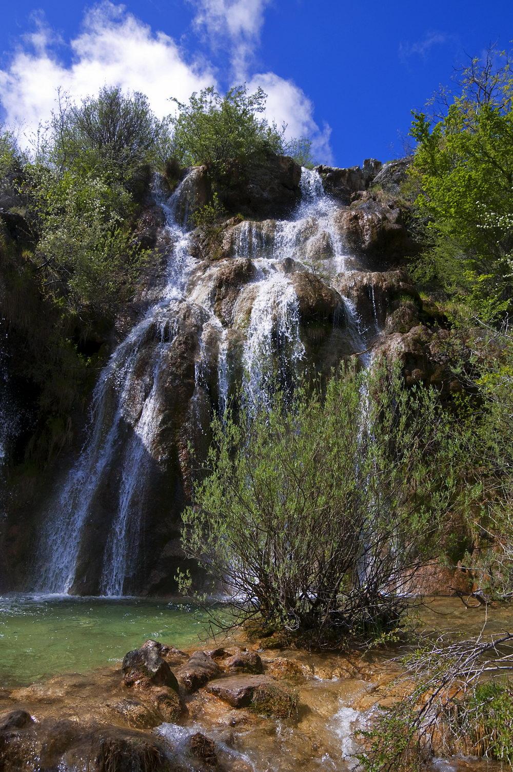 175_Vida (cascada de arriba en el Tobazo - Valderredible)_LOS VALLES