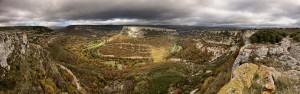 Despedida del Ebro por Valderredible, de los últimos meandros. Espalar. Campoo devanado.