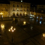 Panorámica nocturna de la Plaza de España de Reinosa.