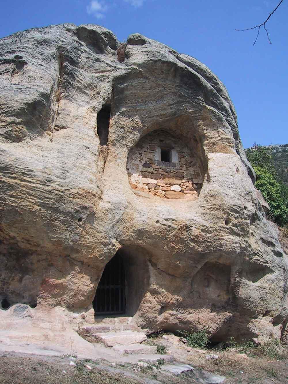 Ermita Rupestre Arroyuelos