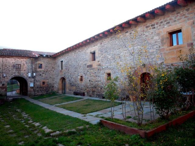El palacio de las Henestronas