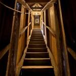 Escaleras comunicantes en el Santuario de Nuestra Señora de Montesclaros. Pandear. Campoo devanado.