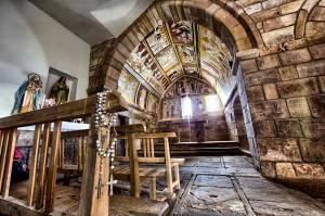 Interior de la iglesia de Santa Olalla . Voltear. Campoo devanado.