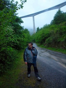 Ricardo fotografiando en el Alto Besaya.