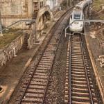 Tren pasando por Pozazal