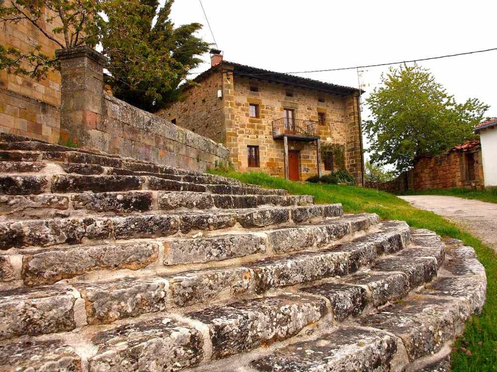 Ruanales (Valderredible) Desde la escalinata de la